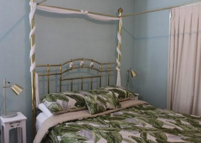 Busselton-Holiday-Home-Driftwood Main Bed 6